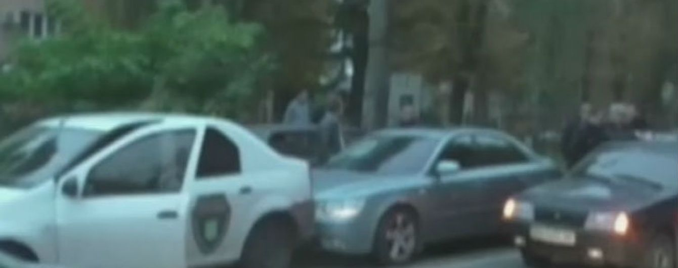 У Сумах СБУ перекрила дорогу, щоб затримати двох чиновників-хабарників