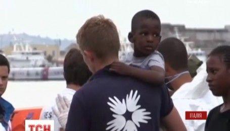 Итальянская береговая охрана спасла жизнь 10 тысяч мигрантов за двое суток