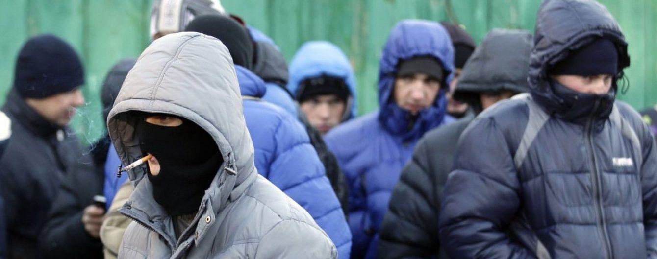 """Суд заарештував одного з """"тітушок"""", які нападали на активістів та журналістів під час Майдану"""