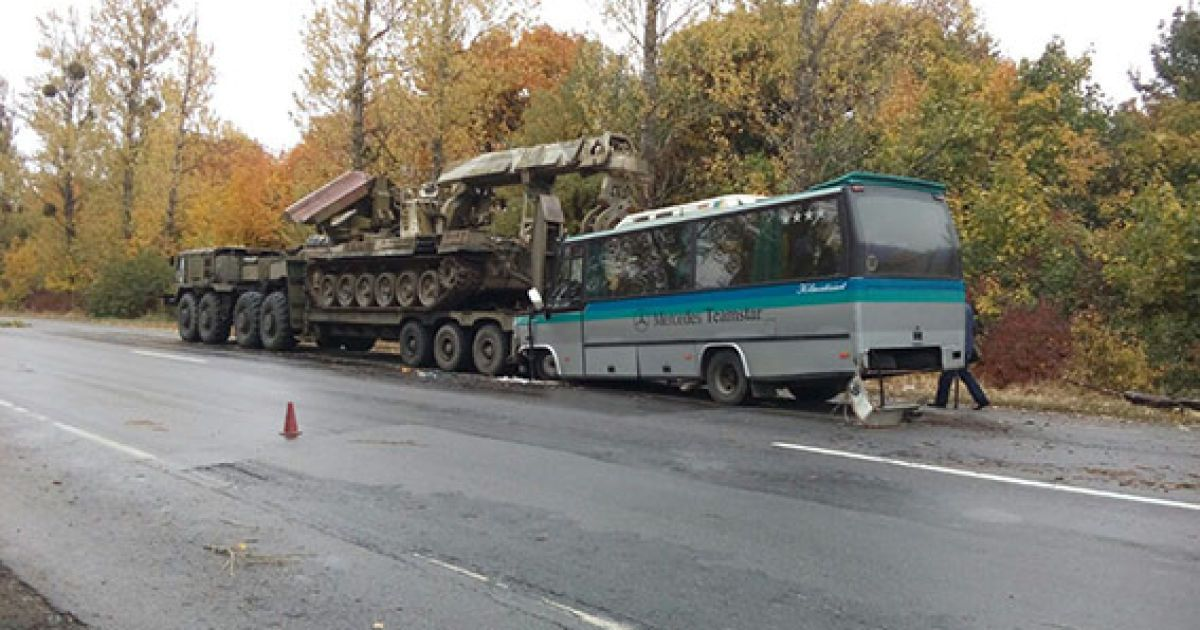 Госпіталізували 4 пасажирів і 2 водіїв @ ГУ Нацполіції у Вінницькій області