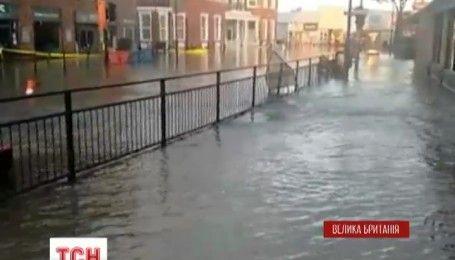 У передмісті Лондона стався комунальний колапс: затоплені вулиці та паркінги