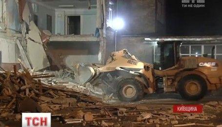 У Василькові батьки учнів вимагають будувати нову школу замість зруйнованої