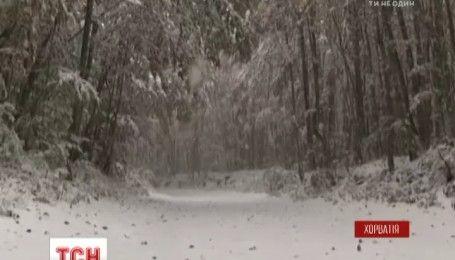Сильный ветер, снег и метель: в Хорватии бушует непогода