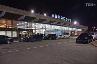 """Омелян розповів, який наступний аеропорт """"заселять"""" лоукостери"""