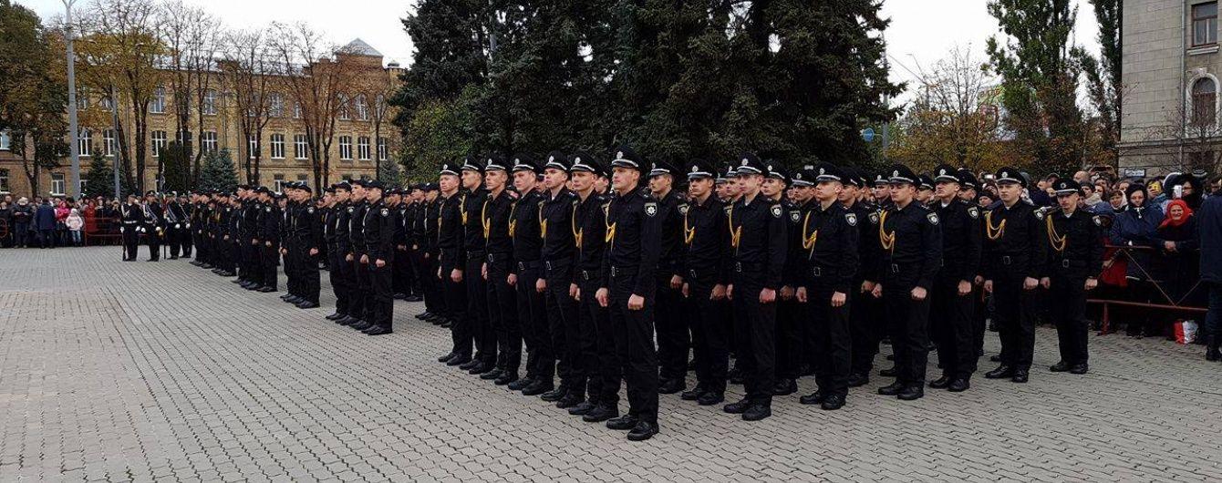 Молоді офіцери поліції у карному розшуку отримуватимуть 8-10 тис. грн на місяць – Аваков