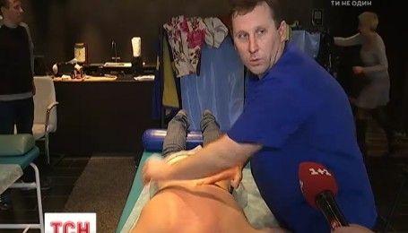 Массажист Паралимпийской сборной пытается установить необычный рекорд