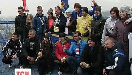 Вертикальные гонки: азартные украинцы приняли участие в марафоне на сто десять этажей