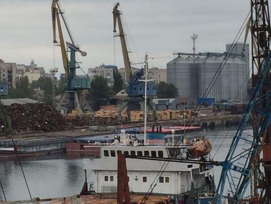 Херсонський морський порт передали у концесію. Гончарук розповів про умови