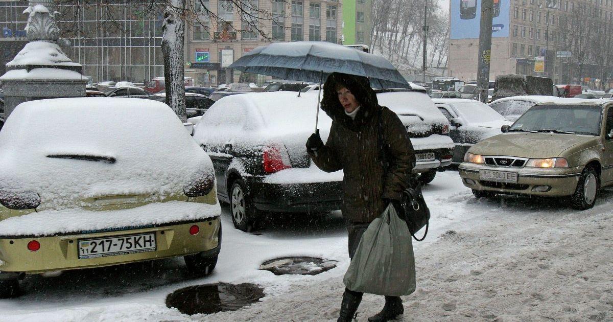 170 ДТП за годину: у Києві випав перший сніг