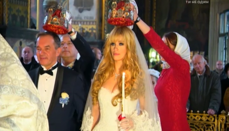 В церковь на розовом лимузине: как венчался мэр Глухова Мишель Терещенко