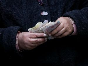 Чем грозит повышение минимальной зарплаты