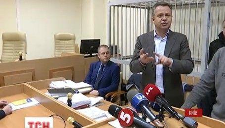 """Поліція та """"технічна перерва"""": прокурори просять розглядати справу мера Бучі в закритому режимі"""