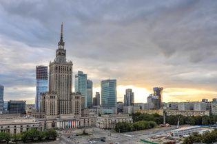 Орендував авто через мобільний додаток – залиш його будь-де: технології допомагають пізнати Варшаву