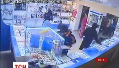 Через два месяца полиция задержала грабителей ювелирного магазина на Житомирщине