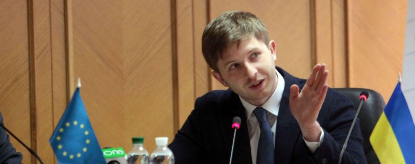Порошенко уволил главу комиссии, которая утверждает коммунальные тарифы