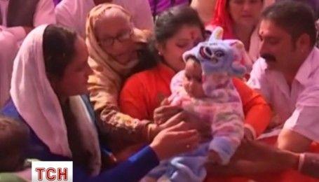 В Индии матерям вернули детей, которых перепутали при рождении
