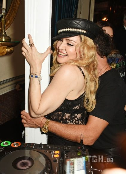 Мадонна на вечірці_3