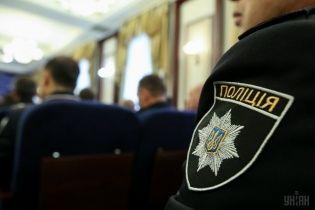 У Києві розшукують небезпечного злочинця, який втік із суду з-під конвою