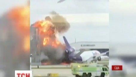 Полиция выясняет причины пожаров в аэропортах США