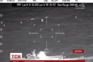 Бойовик наживо: у Мексиці поліція та армія переслідували катери з тонною кокаїну