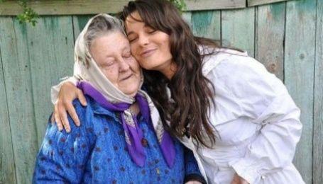 94-летняя бабушка Наташи Королевой оставляет Украину из-за внучки