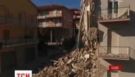 В результате землетрясения в Италии 25 тысяч человек оказались на улице