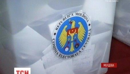 Проросійський кандидат має перевагу у першому турі президентських виборів у Молдові