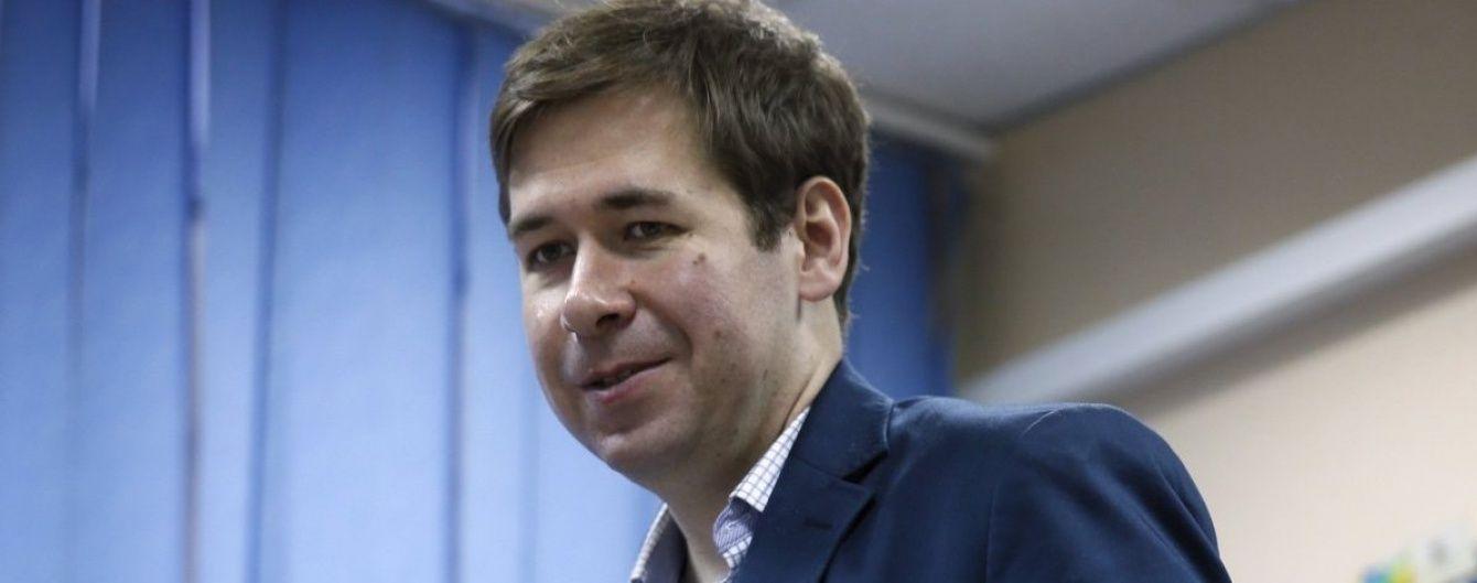 Известный российский адвокат будет защищать Порошенко
