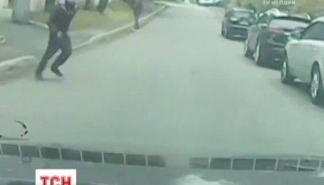 Аферисти на дорогах: українці все частіше стають жертвами пішоходів-шахраїв