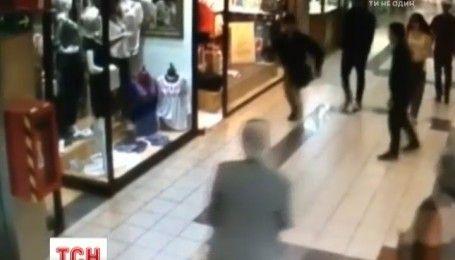 Храбрый пенсионер в Чили помешал ограблению в супермаркете