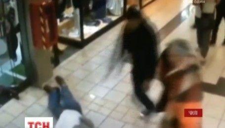 В Чили пенсионер в супермаркете пытался остановить вора