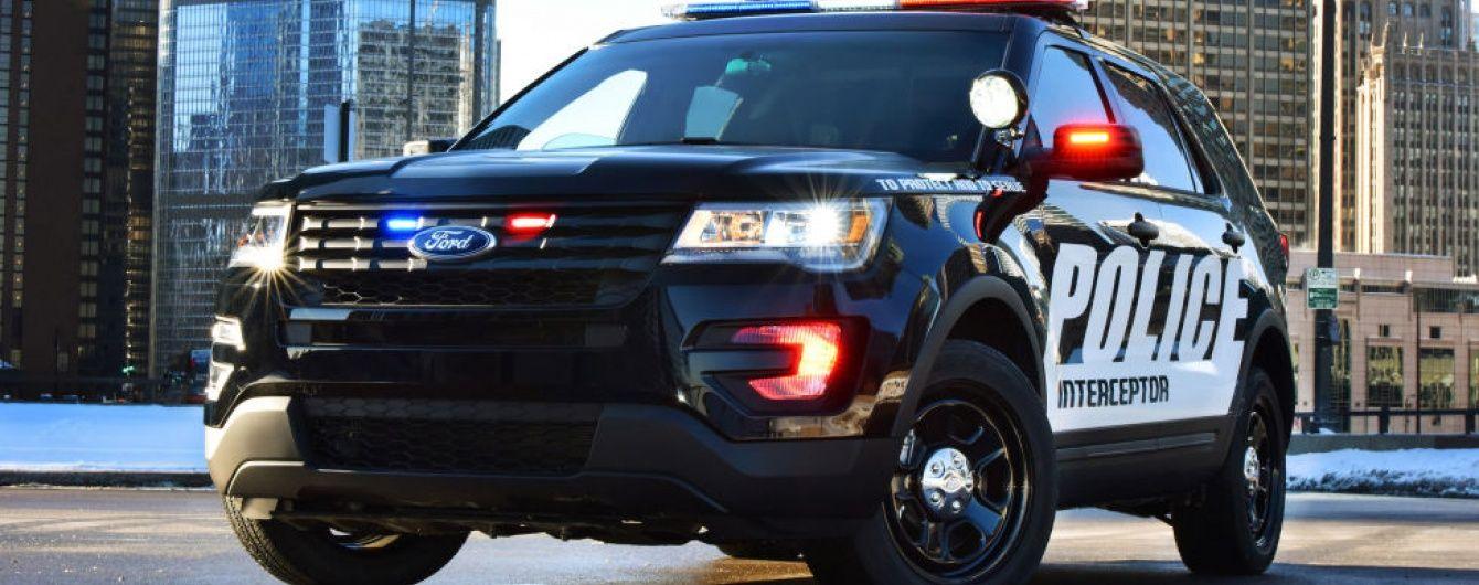 Наркоман під час арешту викрав поліцейський автомобіль не знімаючи наручників