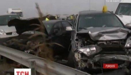 У Румунії сталася масштабна автотроща: зіштовхнилися 27 автомобілів