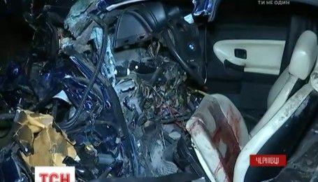 Смертельна ДТП за участі авто з іноземними номерами трапилась під Чернівцями