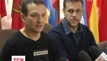 Українським пораненим воїнам, які бігли на марафоні у США, дістались нагороди від НАТО