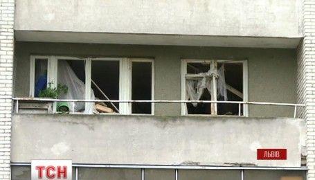Более 200 гранат вынесли взрывотехники из львовской квартиры