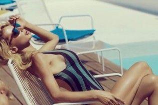LOBODA в купальнику обіймалася з блондином в новому кліпі