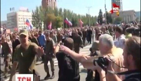 Украинские переговорщики требуют от боевиков назвать точное количество военнопленных