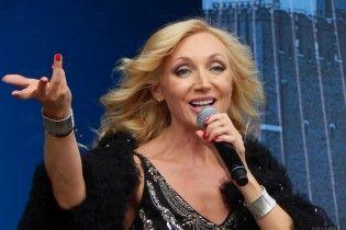 """В Киеве """"из-за возмущения общественности"""" отменили концерт Кристины Орбакайте"""