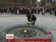 Червоні маки біля вічного вогню: у Києві згадували загиблих у всіх війнах