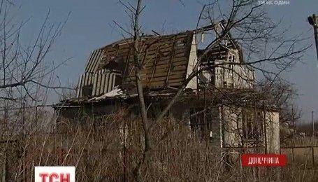 Через ворожі обстріли з села Водяне виїхали майже всі мешканці