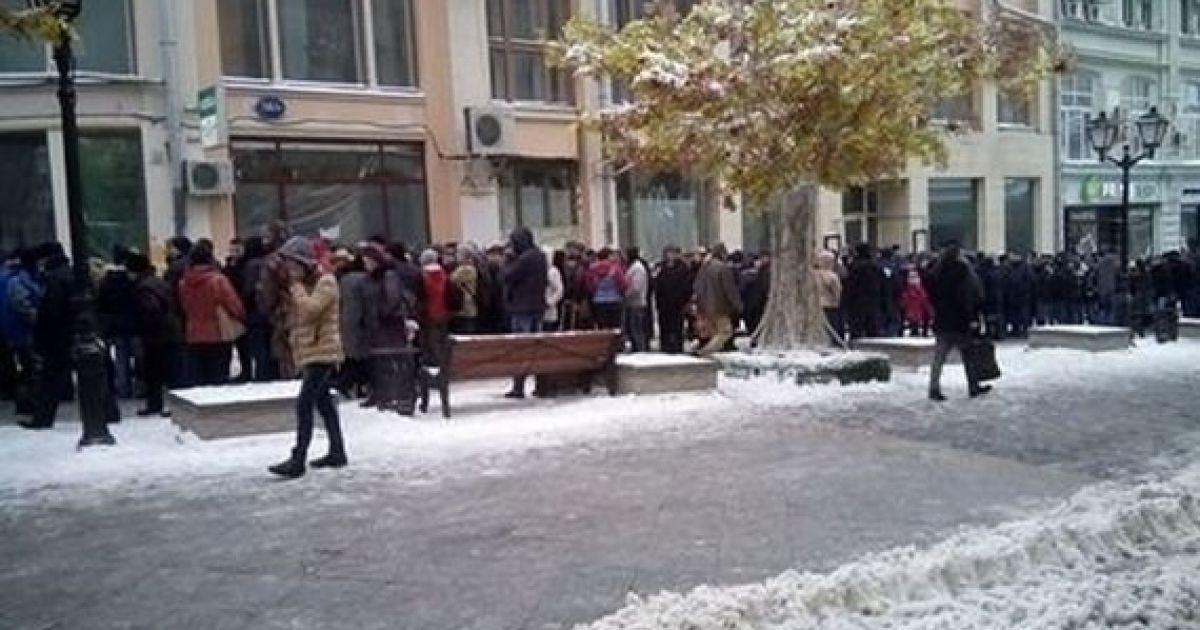 Черги на виборчих дільницях у Москві. @ RISE Moldova