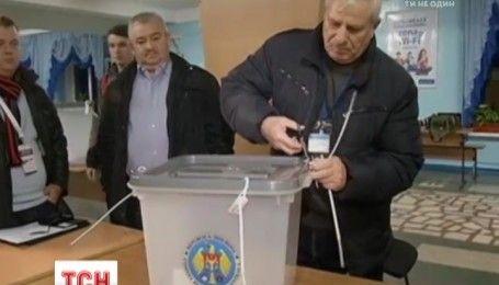 На виборах президента Молдови лідирує проросійський кандидат