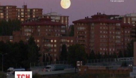 Луна приблизилась к Земли на рекордное за последние 70 лет расстояние