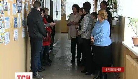 Шкільний скандал на Чернігівщині: мати школяра стверджує, що її син страждає від знущань однокласників