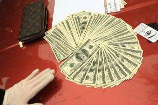 В Киеве старшего следователя поймали на взятке за фальсификацию уголовного дела