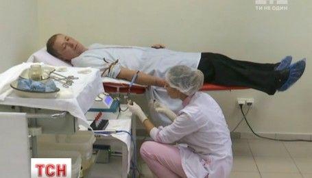 """В больнице """"ОХМАТДЕТ"""" стартовала акция по сдаче крови для детей"""