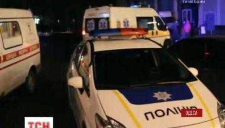 Три человека госпитализировали после ночного пожара в Одессе
