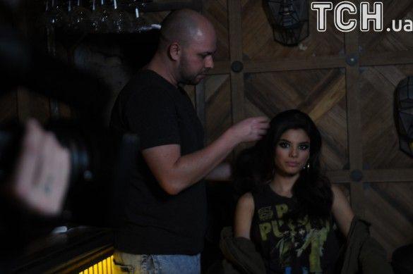 Мішель Андраде на зніманнях кліпу з гуртом Mozgi_1