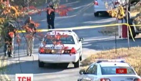 У США шкільний автобус з дітьми врізався у дерево, є загиблі
